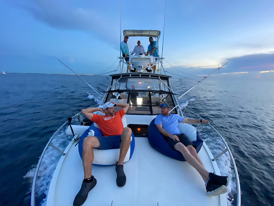 rent a boat fort lauderdale fishing sunset chilling 960x720 1