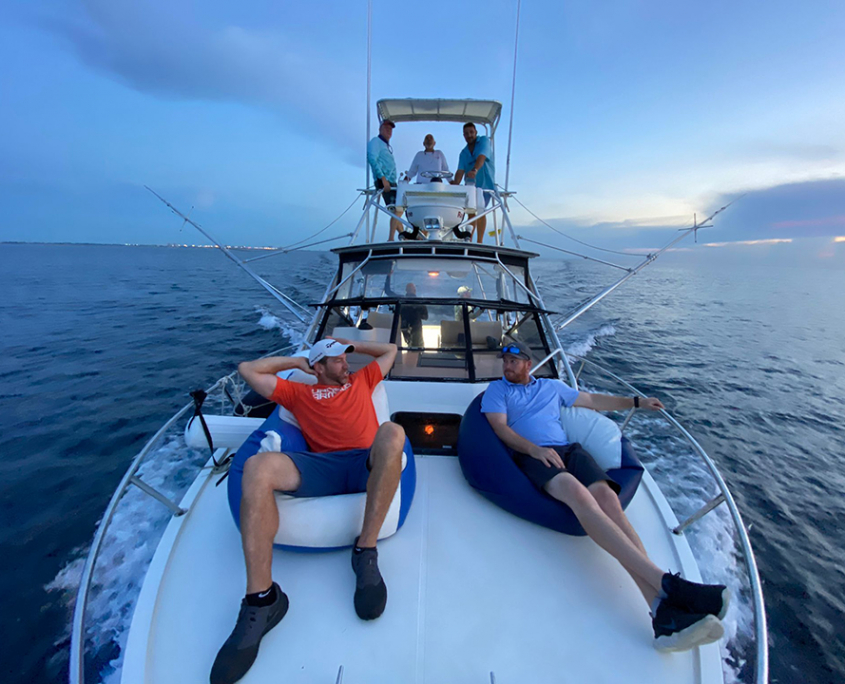 rent a boat fort lauderdale fishing sunset chilling 960x720 2
