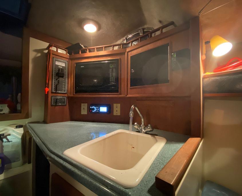 rent a boat fort lauderdale yacht kitchen 960x720 2